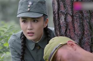 女鬼子伪装杀死日本军官的假象,演技逼真,沈指导却毫不上当