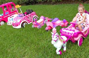 太气了!萌宝小萝莉新买的车车怎么都是坏的呢?趣味玩具故事