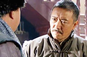 闯关东:潘五爷使坏让朱家饭店被砸,朱开山气得吐血,他决定反击