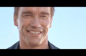 终结者2:约翰教终结者微笑,施瓦辛格这个笑容,只能给零分