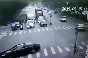 警示:90后女子当场身亡!生命最后10秒视频曝光,教训极其惨痛