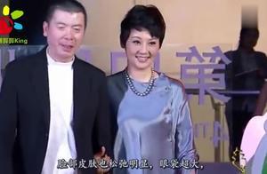 冯小刚夫妇获新西兰总理接见,冯导成偶像徐帆老态尽显