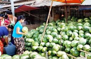 取消中国免签后, 100万吨水果腐烂发臭,游客:真是自己活该!