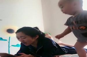 二胎有了弟弟,相差20岁的姐姐真是欲哭无泪,看完忍不住笑出声了