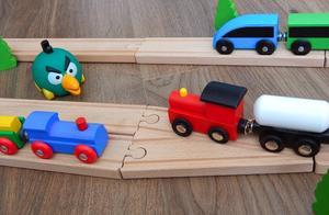 益智玩具:愤怒的小鸟玩小火车