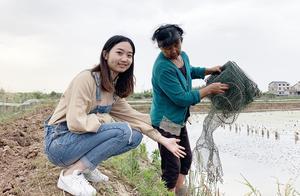 小龙虾这么贵,从养殖户那里买是多少钱一斤?打工妹笑着说赚大了