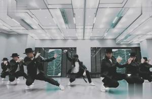 不愧是鹿晗的歌曲,每个节奏都踩在点上,期待《剧中人》的舞蹈