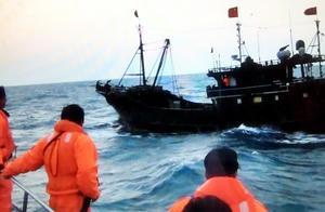 台湾当局连扣大陆渔船 台媒曝光粗暴行为 肆无忌惮罚钱抓人