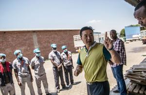非洲工人一发工资,第二天就不见人了,中国老板想了一招解决方法