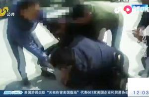 男子毒品交易时被抓,不停挣扎大喊大叫,试图通知楼上的上线跑路