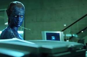 X战警2:魔形女化身能力超强,不断化身工作人员成功盗取了机密