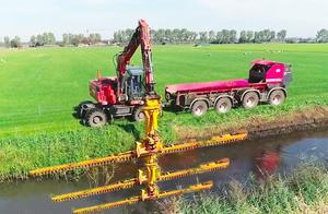 先进的河道清洁机械作业过程!如此高大上,令人敬佩