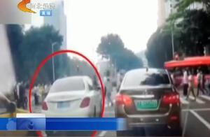 奔驰车闯红灯撞伤13人后又撞上3辆私家车,事故原因让人咂舌!