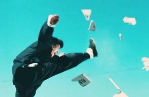 精武门:李小龙飞身一踢,没用任何特技,据说至今无人能做到