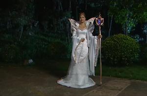 巴啦啦小魔仙:魔仙女王发现美琪美雪学习魔法,女王会怎么做呢?