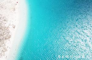 稻城亚丁最美牛奶海 太震撼了 无法用言语形容