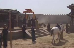 《三国演义》的卢仿主不可乘,蔡瑁建议送刘备,太狠毒了