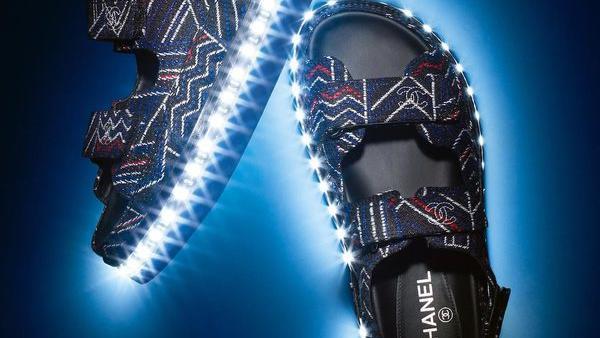 女士会发光的Led高跟鞋哪里可以批发到