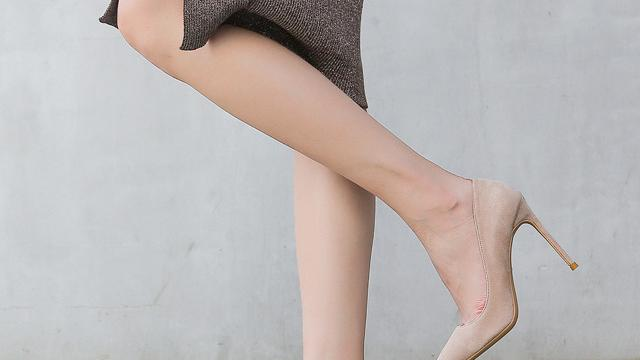 女人没有一双这样尖头的高跟鞋怎么能够征服男人
