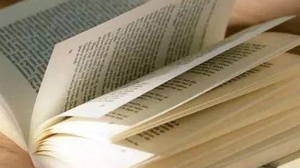 求一篇英语作文关于读书的意义目前的状况是发倡议
