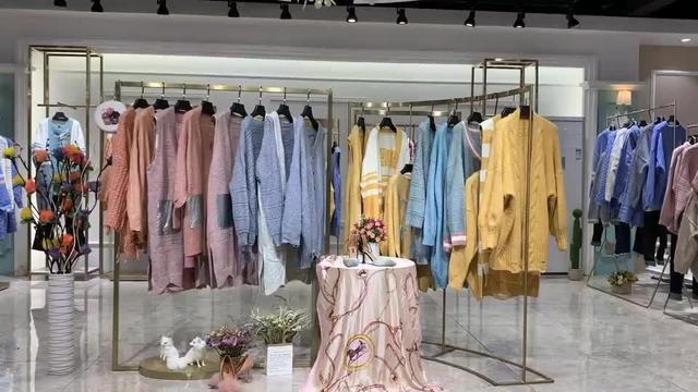 天地鼠服饰女装休闲外套价格多少