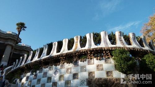 走入高迪的建筑 金立M5 Plus游巴萨罗那