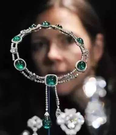 这些让你一见就难忘的古典珠宝,来自西方,却也美得让人感叹