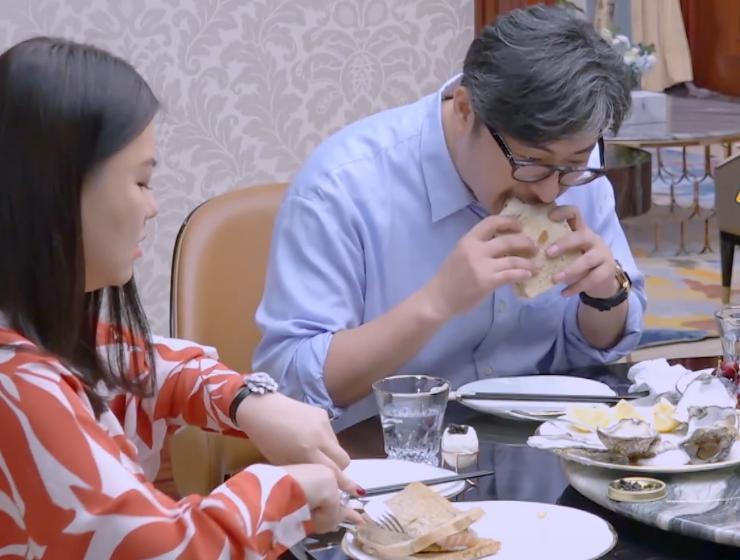 李湘早餐雪花牛肉,午餐三文鱼配生蚝鱼子酱,晚餐也很丰盛