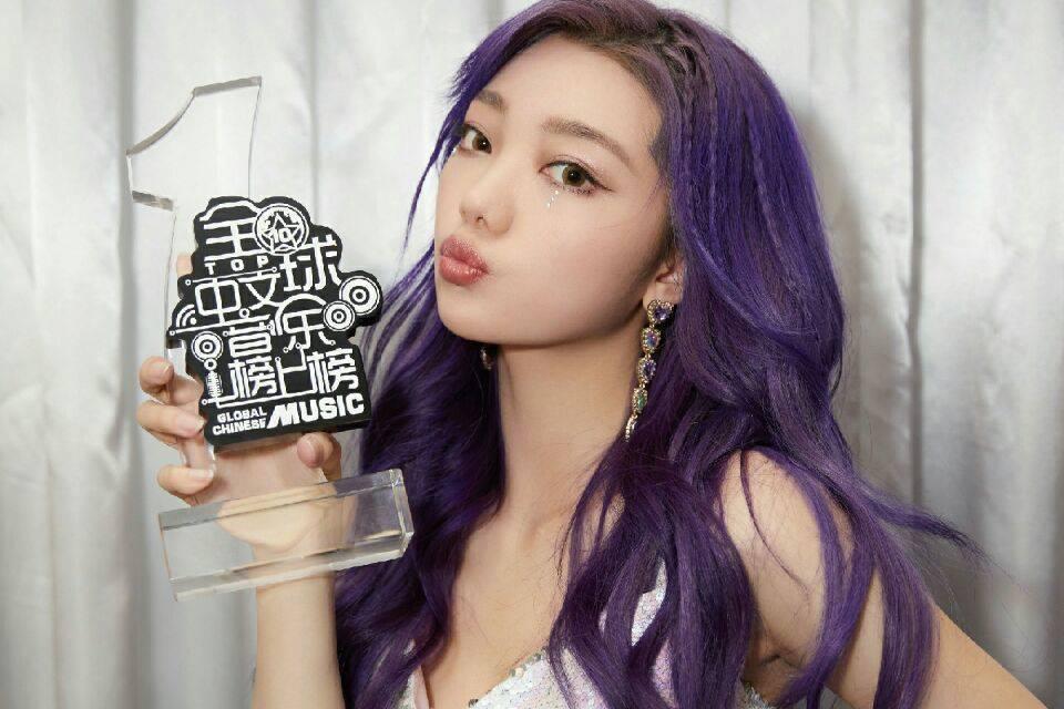 《全球中文音乐榜上榜》:李紫婷首度参与打榜,便拿下了一个奖杯