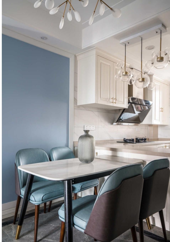 蓝色的大海之家,开放式的厨房做饭也有好心情,给大家晒晒
