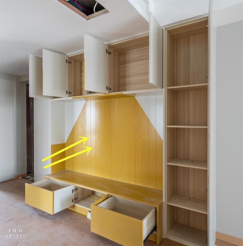 柜子别多打,一个2.4米高回型卡座玄关柜就够了,多出10平收纳地