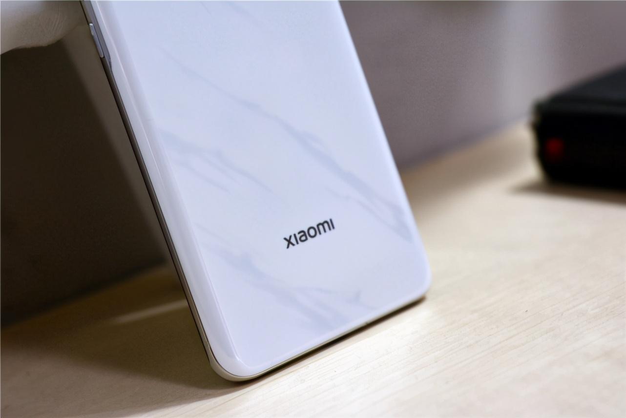 苹果iOS第一售价第一,小米堆料第一性价比第一,vivo呢?