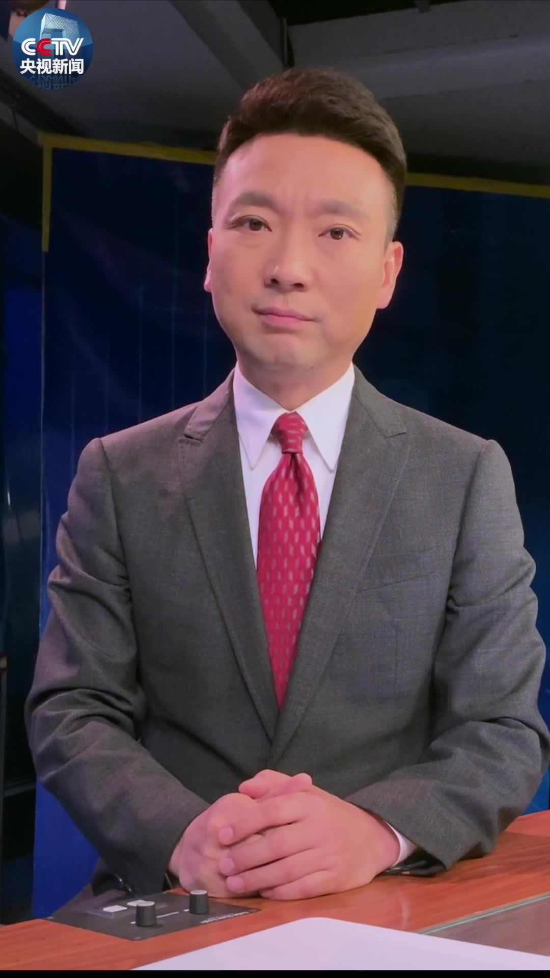 #主播说联播#康辉:看到杜富国向习主席敬军礼,我眼睛湿润了!#致敬中国军人#