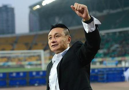 宫磊真的是塔希提球王吗?他曾经被提名世界足球先生,这是怎么回事?