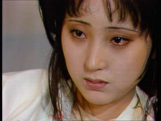 《红楼梦》中宝玉支开袭人后遣晴雯去给黛玉送旧帕子,是代表宝玉更相任晴雯吗?