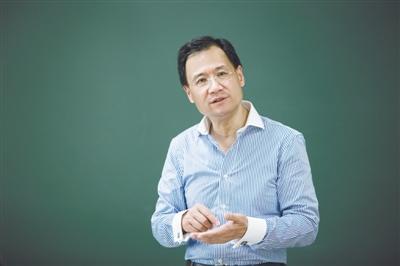 """许章润:让法学语言""""中国化"""""""