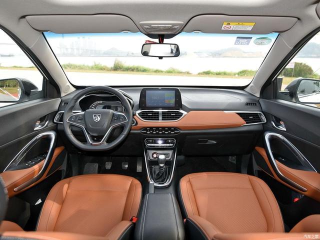 安全最重要 8万元带ESC SUV开回家