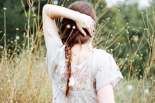 有一个喜欢我的男生,向我表白了,可我不喜欢他,也不想和他好,我只想和他做好朋友,我要怎么委婉拒绝他?