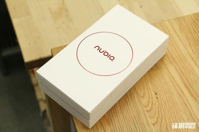 双2.5D夹层玻璃 指纹验证:nubia Z11 mini拆箱图赏