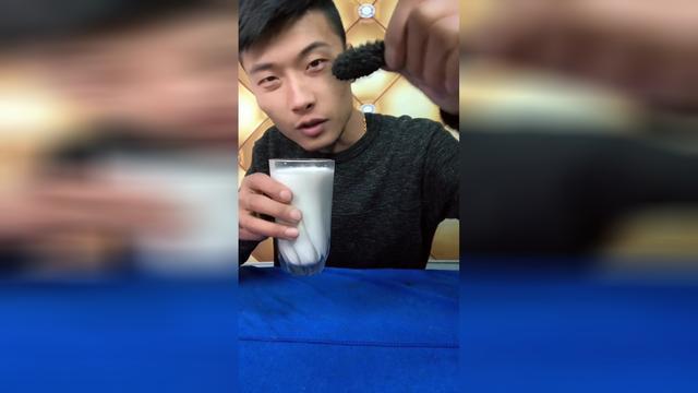 请问:刚吃完海参能喝牛奶吗谢谢