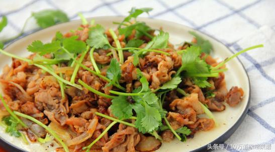 的做法,葱爆羊肉卷怎么做好吃,葱爆羊肉卷的家常做法