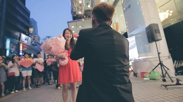 想嫁!情人节最浪漫求婚合集,DR钻戒这波操作甜炸了!