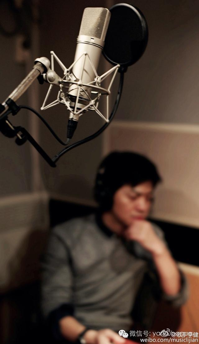 冷萌男神李健终于正式复出了,出新专辑,当了首席艺术顾问