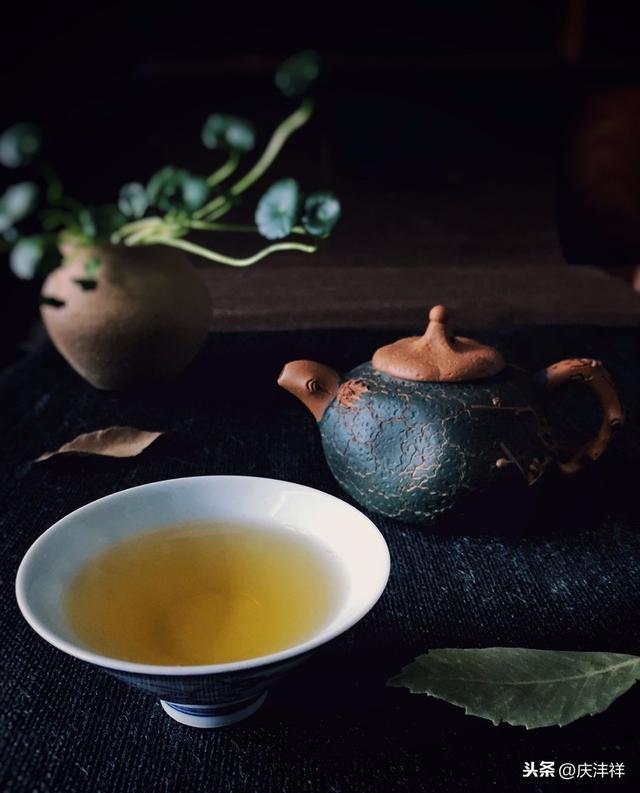普洱茶是一种什么茶?是不是时间越长越好?价格是多少?