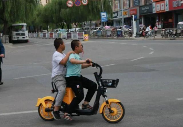 共享电动车的正确打开方式,用车必看