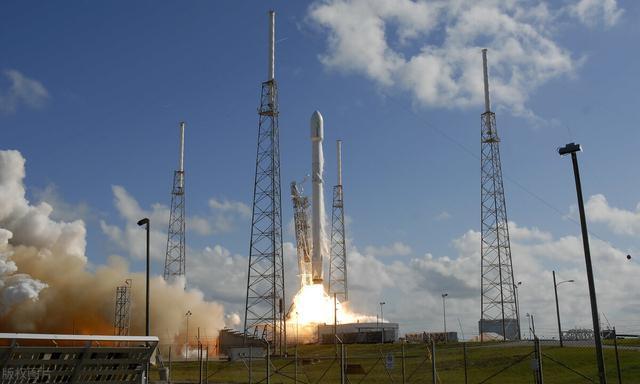 手机为什么不直接使用卫星信号,而是要使用大量的基站?