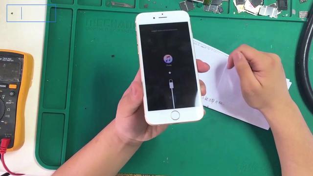 苹果手机开机显示一个苹果怎么回事