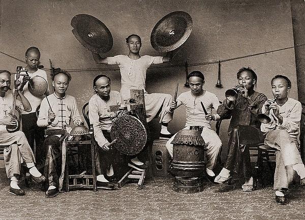 一百年前的中国式生活,珍惜现在的生活吧,感谢党感谢国家