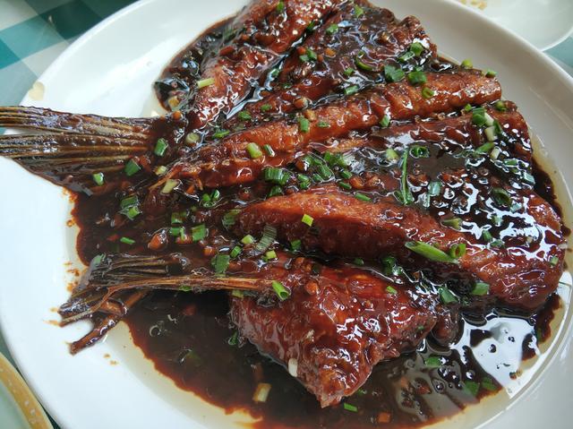 青鱼尾巴怎么做好吃又简单?