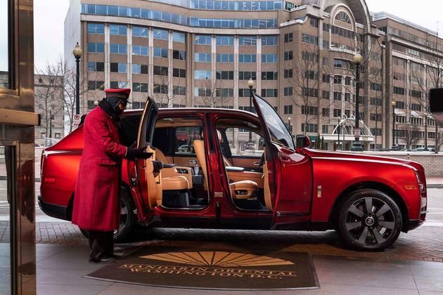 劳斯莱斯为中国买主定制的4款猪年限量版车型,都被谁买了?